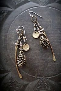 creative jewelry - an interesting business idea to earn extra money