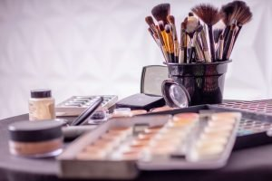 Earn online as a beauty expert